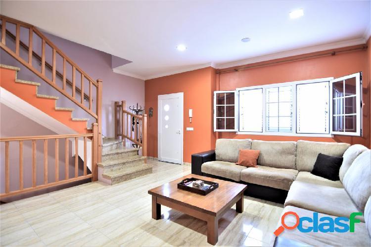 ¡¡ OPORTUNIDAD!! Se vende preciosa casa de tres plantas tipo dúplex alta calidad y magnifico precio. 2