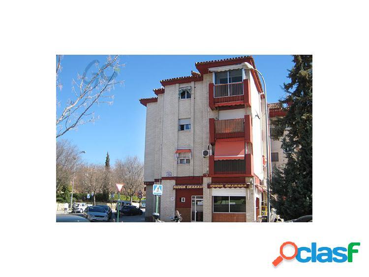 Gc pone a la venta un piso con plaza de garaje en granada capital, en el barrio de cartuja.