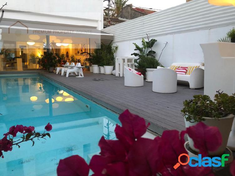 ¡villa de lujo con vistas al mar, primera linea de la prestigiosa playa de valencia!
