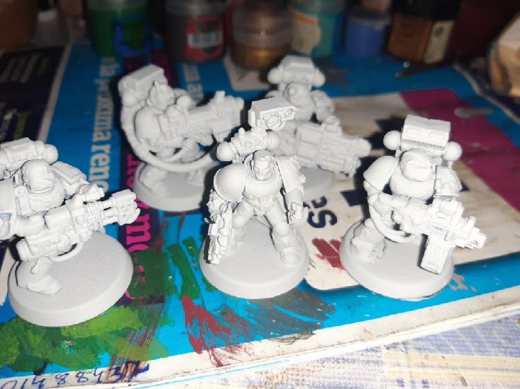 4 devastadores y un sargento con bolter pago walla