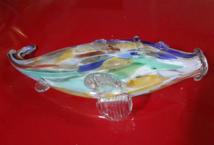 Gran pez de cristal (¿la industria?)