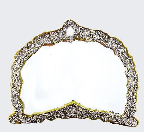 H/m. espejo de sobremesa inglés, con marco en plata