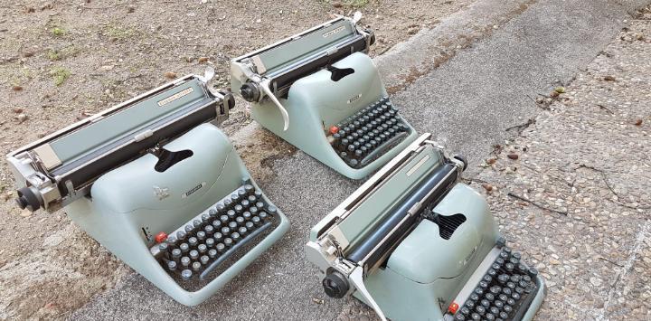 Lote 3 máquinas de escribir lexicon