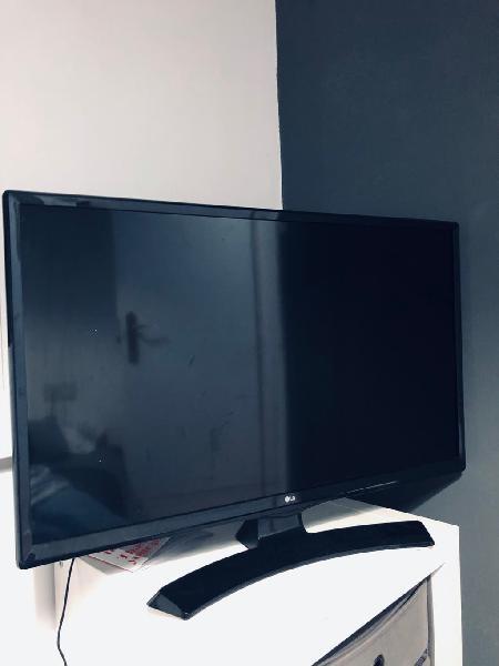 """Televisión lg smart tv 28"""" nueva"""