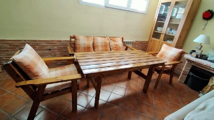 Conjunto mesa,banco y sillas