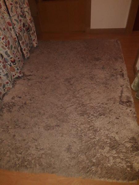Magnifica alfombra de buena calidad y pelo largo