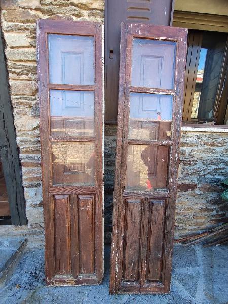 Puertas rústicas con ventanas