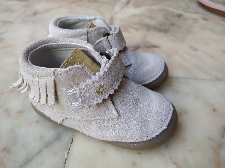 Zapatos botines para bebé niña. n° 19