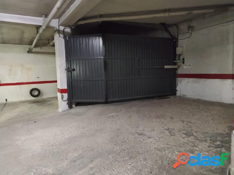 Urbis te ofrece dos estupendas plazas de garaje en venta en zona garrido sur, salamanca.