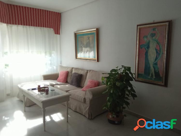 Magnifico piso de 4 habitaciones, salón, cocina,2 baños, garaje y trastero.