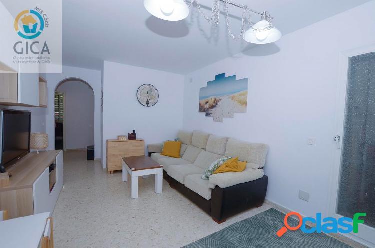 Piso de 3 habitaciones en Jardines de Algetares, urbanización con zonas verdes y piscina comunitaria 1