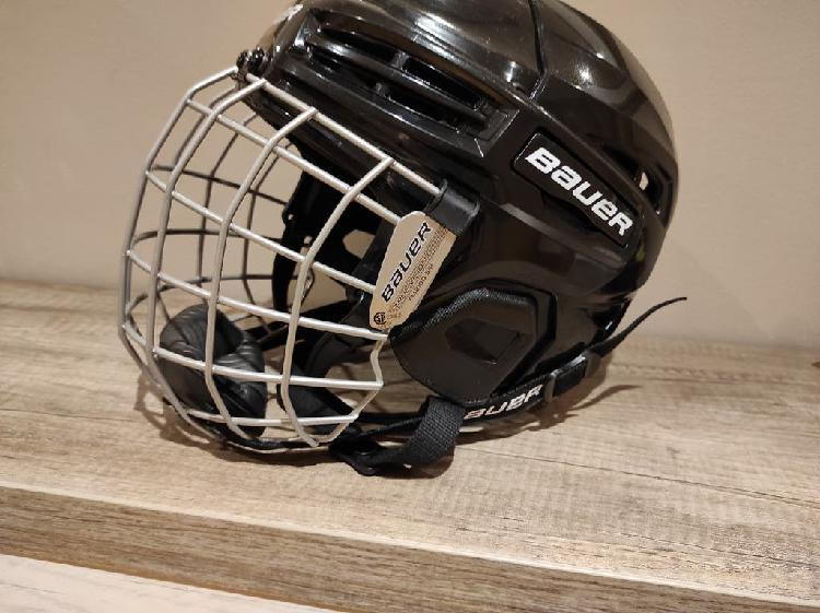 Casco bauer de hockey