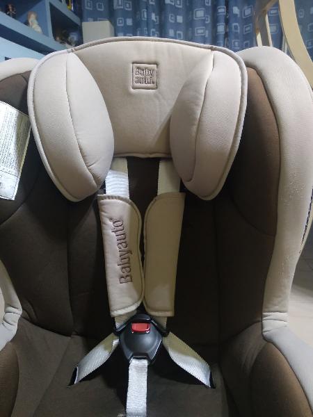 Hola vendo silla de coche baby auto, en buen estad