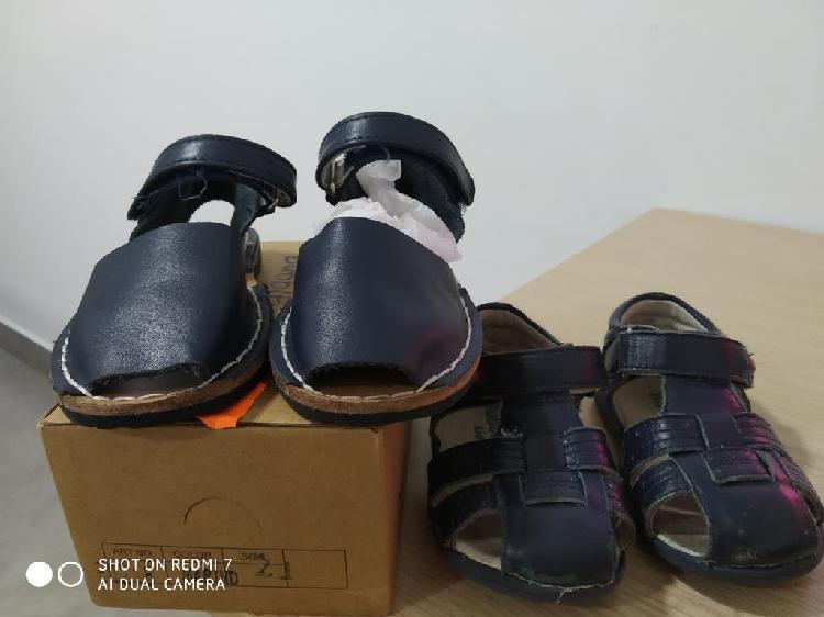 Zapatitos de bebe y sandalias muy nuevos