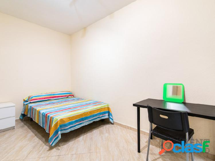 Habitación para estudiantes en madrid centro, gastos incluidos