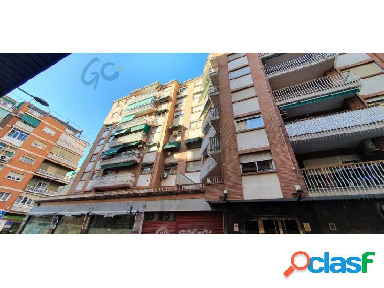 Gc pone a la venta un piso centrico en el barrio de los pajaritos, granada.