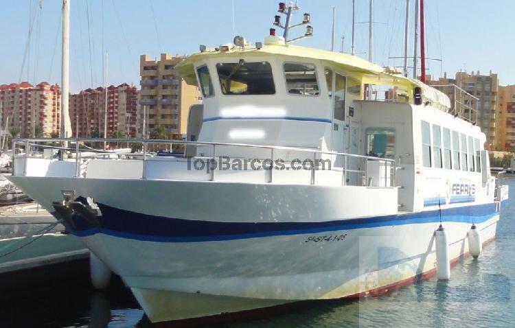 Ferry golondrina 150 plazas