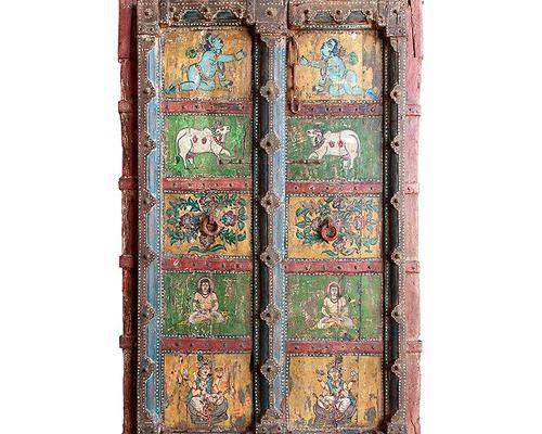 Puerta decorativa con imágenes pintadas a mano