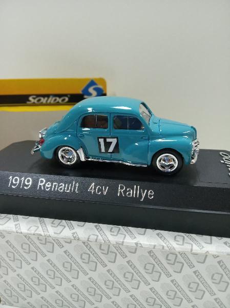 Coche miniatura renault 4 cv colección