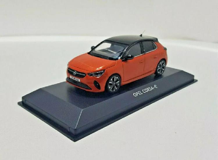 Maqueta Opel Corsa e escala 1:43 minichamps