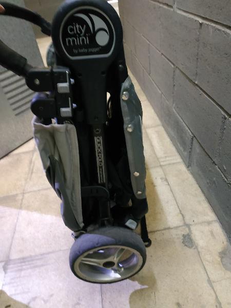 Silla city mini 4 ruedas
