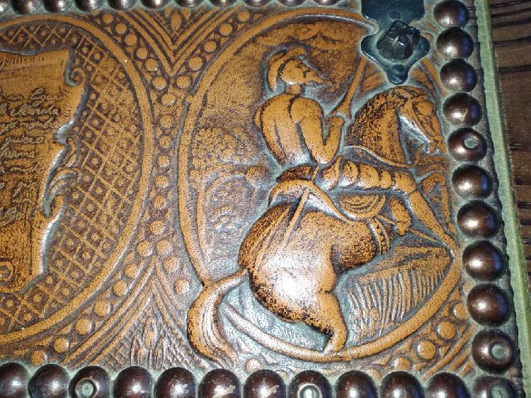 Caja guarda dominó antigua