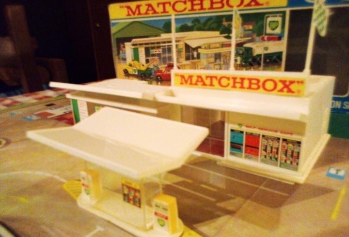 Estación de servicio matchbox