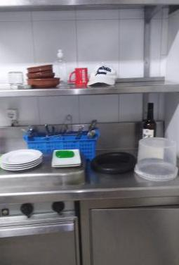 Mesa trabajo con fregadero hostelería