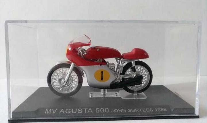 Antigua miniatura de colección de moto de competición de