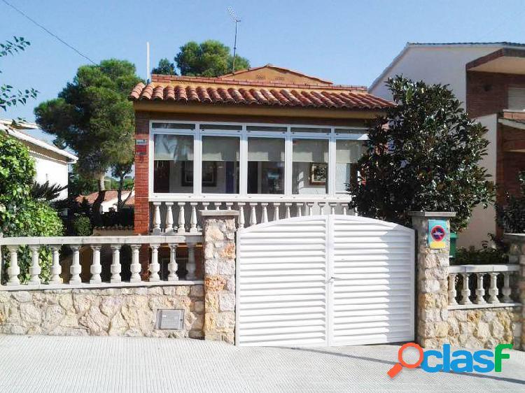 Casa reformada en Segur de Calafell zona Centro, de 160 m., 326 m. de parcela, 20 m de terraza, 3 h 2