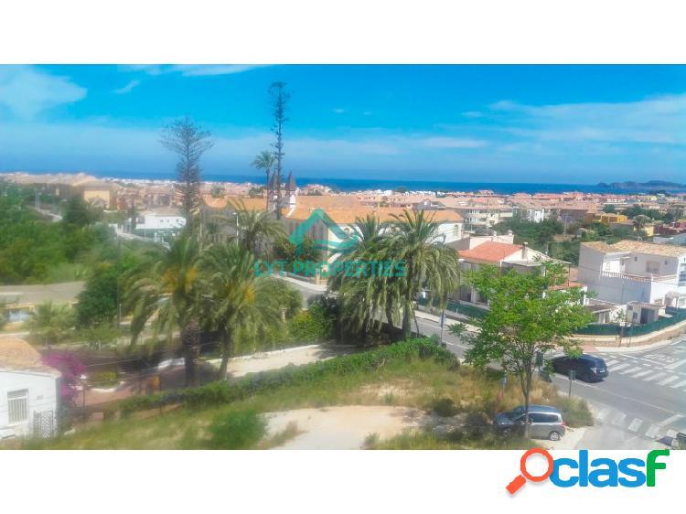 Piso entre puerto y pueblo de javea con vistas al mar