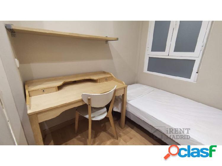 Habitación con baño privado y gastos incluidos, para mujeres, en Barrio Salamanca 2