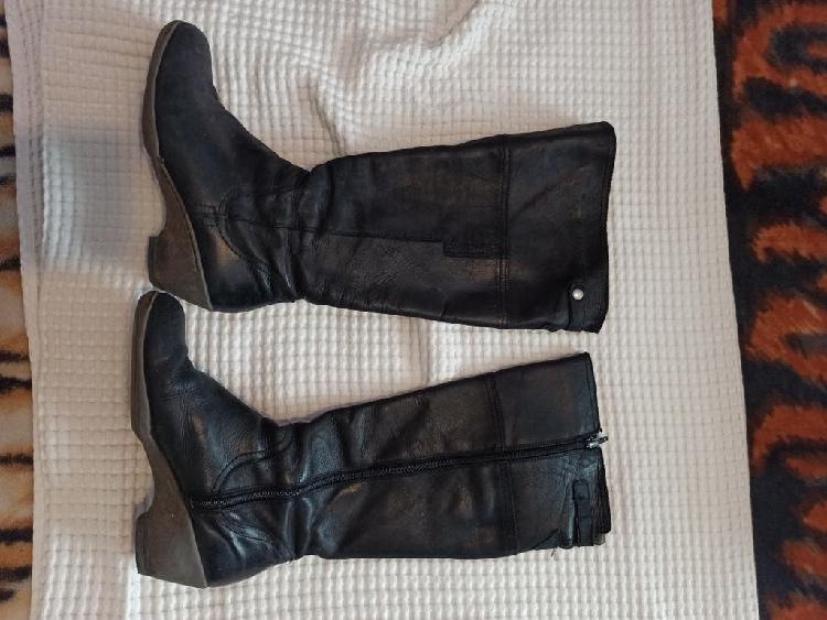 Botas de piel de marca yokono