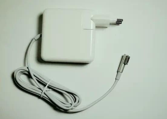 """Cargador macbook pro 17"""" (2008-2011)"""