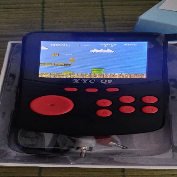 Consola portatil, mas de 2500 juegos