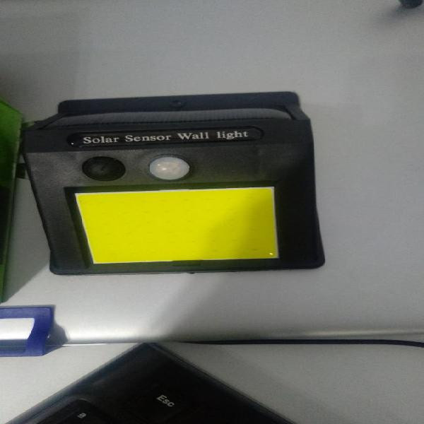 Lampara led solar con detector