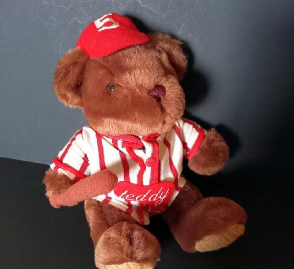 Osito de peluche jugador de beisbol - the teddy bear