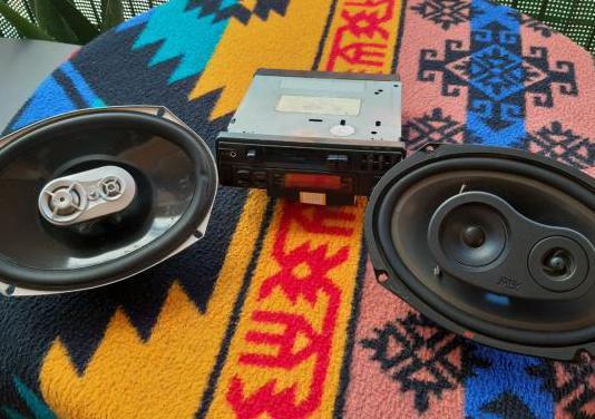 Radio cassette mas altavoces