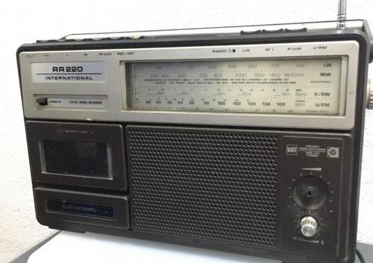 Radio casette grundig rr220