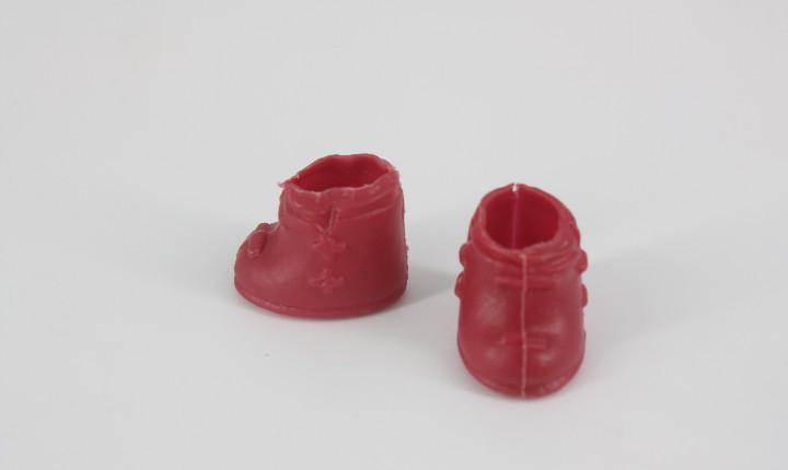 Zapatos / botines color granate plástico blando evi love
