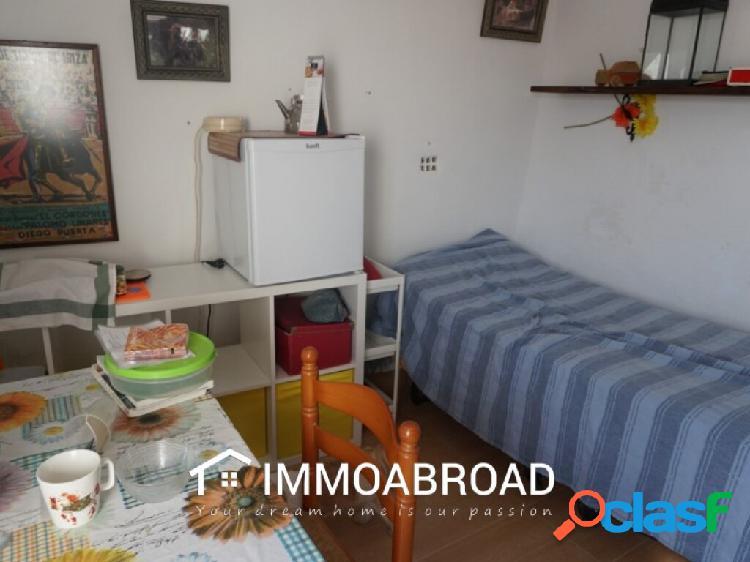 Adosado en venta en Benam con 5 dormitorios y 3 baños 3