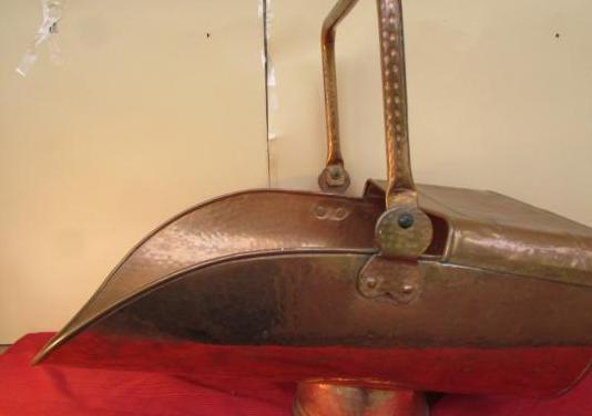 Leñera carbonera antigua cobre 52 cms