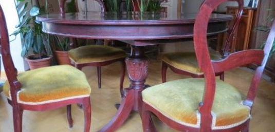 Mesa comedor de 4 sillas en buen estado