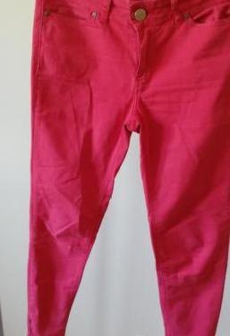 Pantalón zara rojo