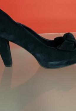 Zapatos salon con lazo ante azul marino nuevos