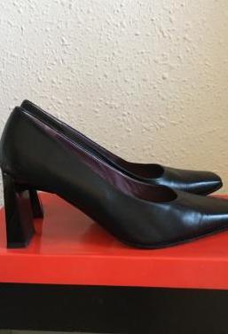 Zapatos de piel color negro