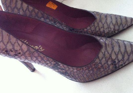 Zapatos piel serpiente beige, núm.39
