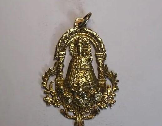 Mide 7,3 cmts.-medalla plata sobredorada, siglo xviii.