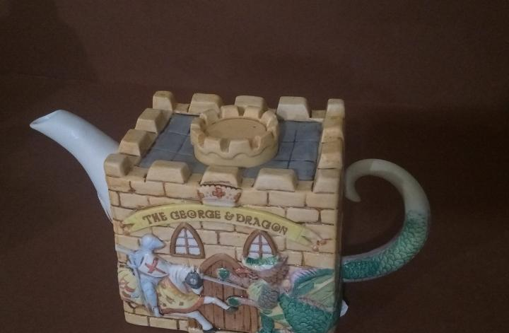 Tetera castillo porcelana pub teapot christopher wren
