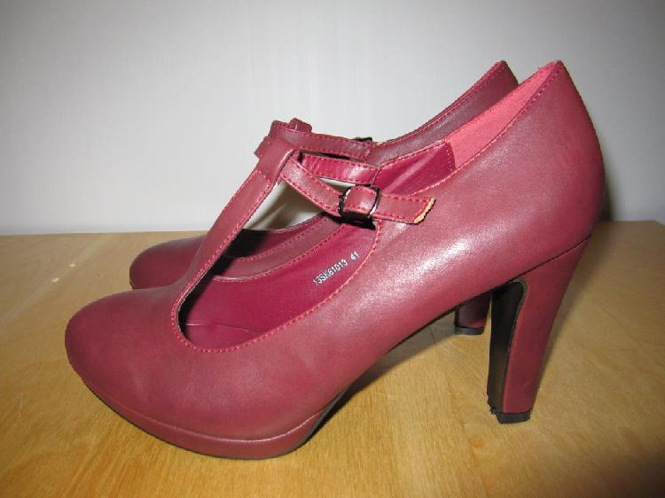 Zapatos tacón burdeos talla 41